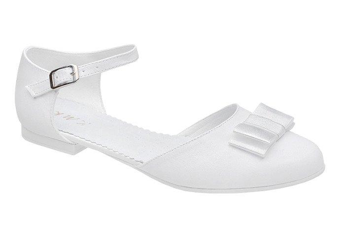 Pantofelki buty komunijne dla dziewczynki KMK 223 Białe